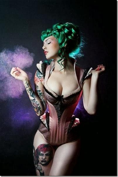 hot-tattooed-women-008