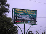 Pulosari signpost on the main road (Daniel Quinn, May 2010)