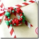 Pompom-wreath-ornament-s54