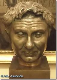 Ayuntamiento de Pamplona - Busto de Pompeyo