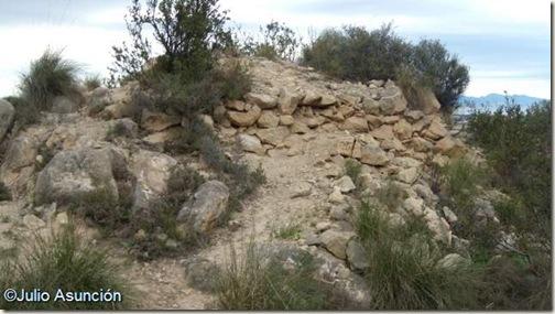 Restos de la torre del poblado prehistórico de la Serra Grossa - Alicante