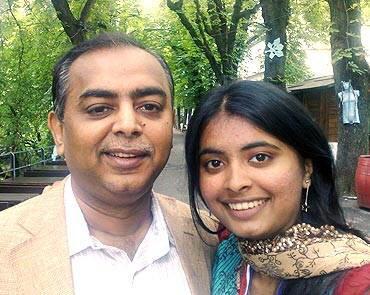Aakanksha Sarda : First Indian girl to win a gold at Physics Olympiad