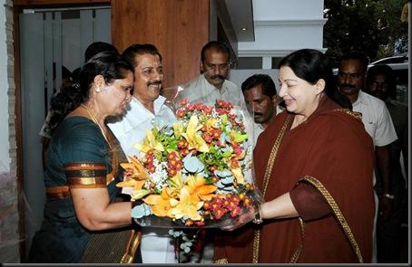 cm jayalalitha at sivakumar house to wish karthi and ranjani