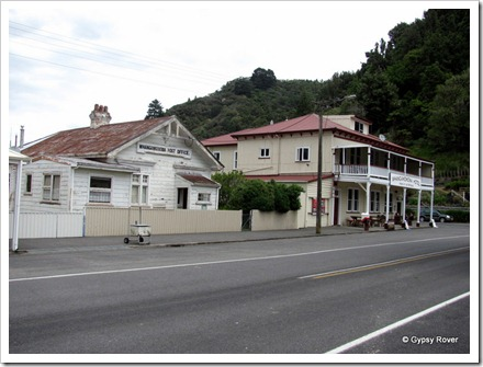 Whangamomona pub and post office building.