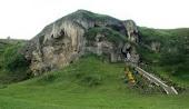 Печерний скельний монастир