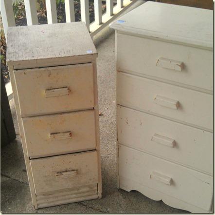 2 little dressers