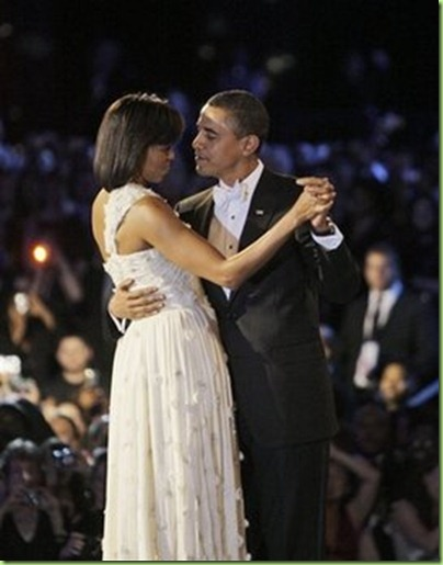 president_barack_obama_makes_the_rounds_dancing_with_his_wife_michele_at_all_inauguration_balls-2