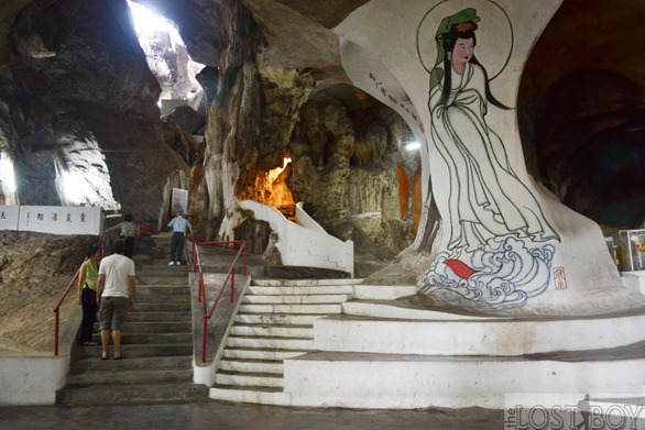 Discovering perak perak tong s statues murals and 385 for 7 mural ipoh