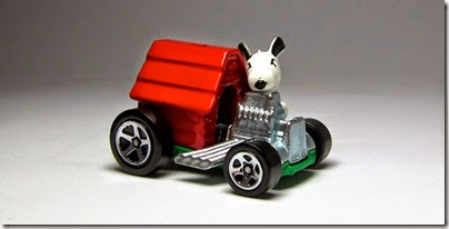 Snoopy Red Baron Hot Wheels 2014 by HW City 05 (Image hobbyminis.blogpost.com)