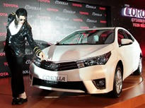 Toyota-Corolla-2014-3