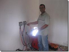 Celio acendendo lampada de 12 volts