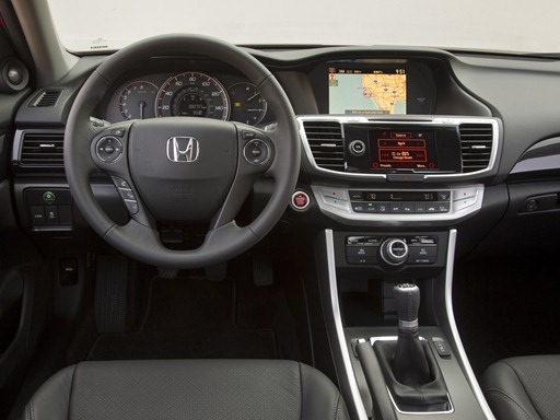 2013-Honda-Accord-V6-interior