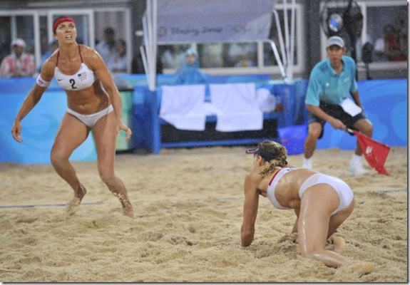 girls-volleyball-butt-15