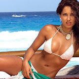 barbara_mori_bikini_52906.jpg