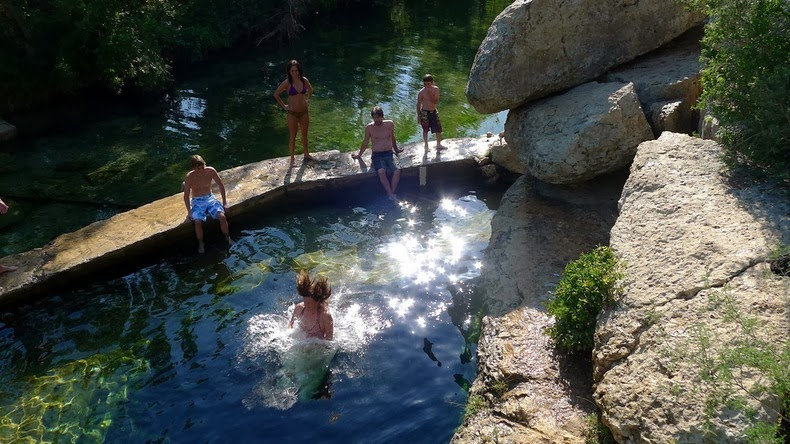 jacobs-well-11