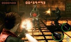 Claire e HUNK em uma partida multiplayer