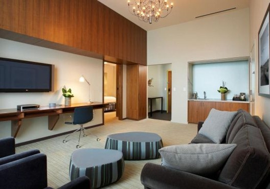 guest-room-luxury-suite