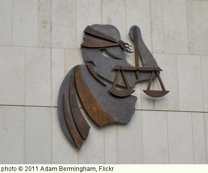 'Criminal Courts' photo (c) 2011, Adam Bermingham - license: http://creativecommons.org/licenses/by-sa/2.0/