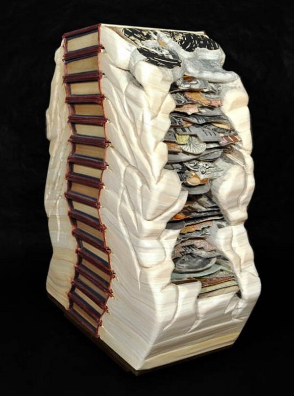 brian Dettmer - arte com livros  (6).jpg