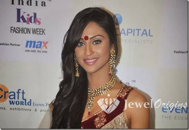 Sarah_Jane_Dias_Gold_Jewellery
