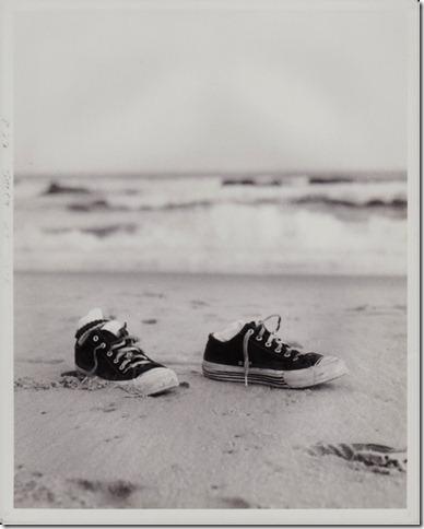 converse on beach