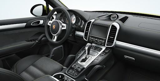 2013-Porsche-Cayenne-GTS-18.jpg