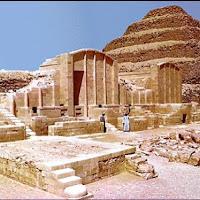13.-Necrópolis de Zoser