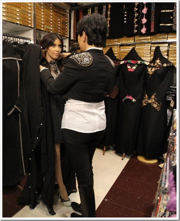 Kim Kardishan Wearing Abaya In Dubai5