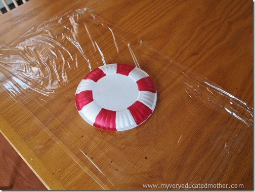 Paper Plate Christmas Decoration Idea & My Very Educated Mother: Christmas Décor: Peppermint Paper Plates