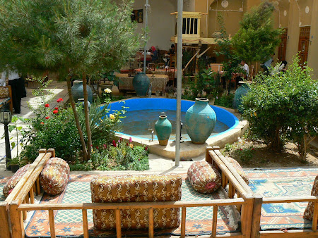 Accomodation in Yazd: The Silk Road Hotel