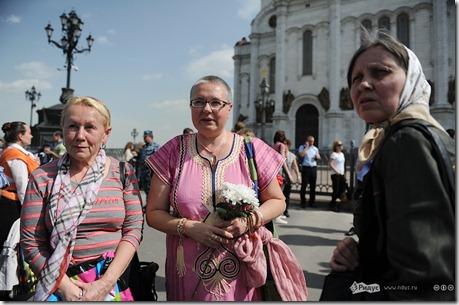 Хоругвеносцы не дали оппозиции помолиться против Путина
