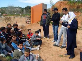 Latifa Boumediane como monitora en uno de los Campamentos para jóvenes.