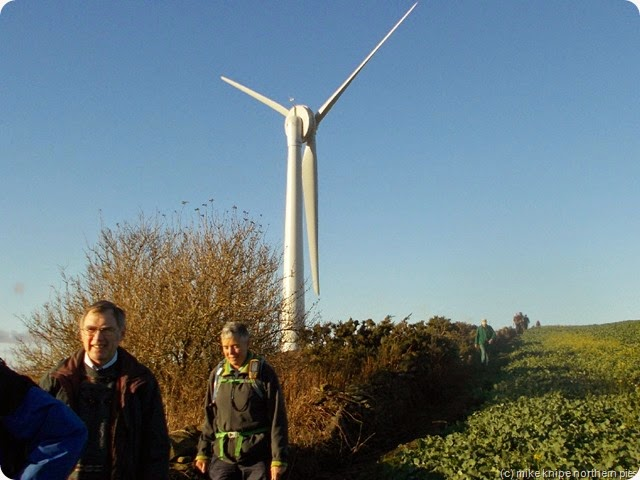 dowfold hill and crook golf club's new wind turbine