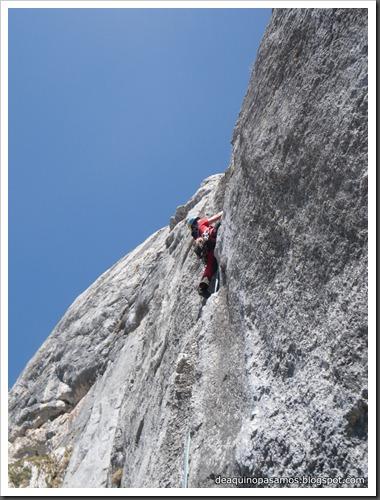 Via Intrusos 350m MD  7a  (6b A0 Oblig) (Alto Les Palanques, Picos de Europa) (Isra) 9048