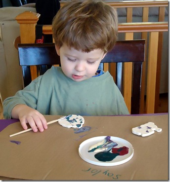 saylor focused on painting