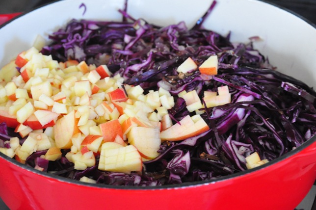 red_cabbage_in_pot
