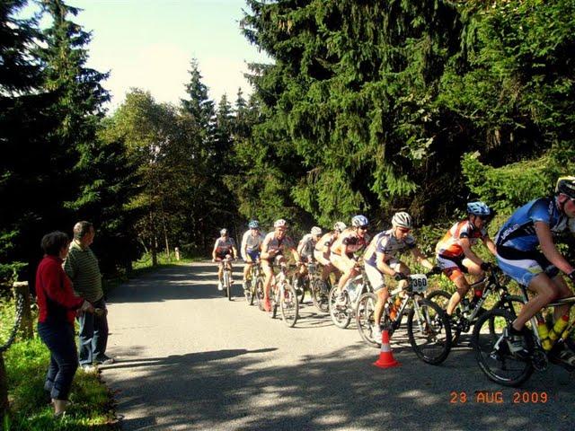 vier-huebel-tour-2009-auffahrt-baerenstein.jpg