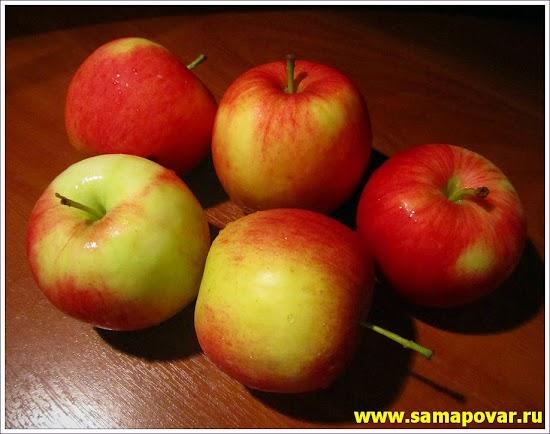 Яблоки для приготовления штруделя. www.samapovar.ru