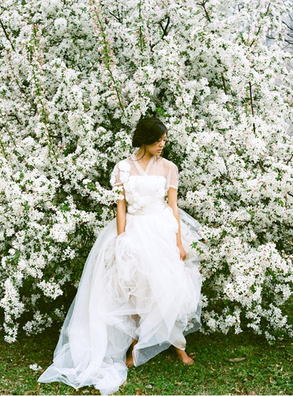 reem-acra-tulle-wedding-dress-cherry-tree