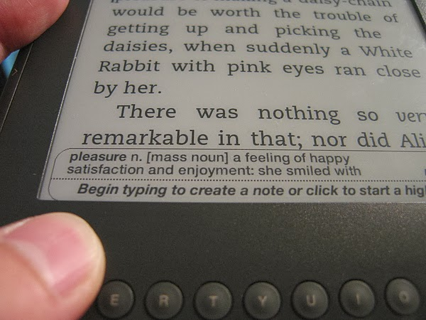 Kindle: instant dictionary