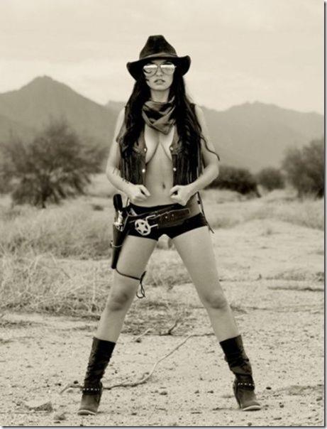 hot-women-guns-46