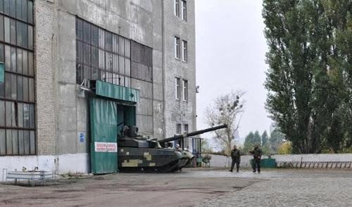 """Украина представила Таиланду первую партию танков """"Оплот"""""""