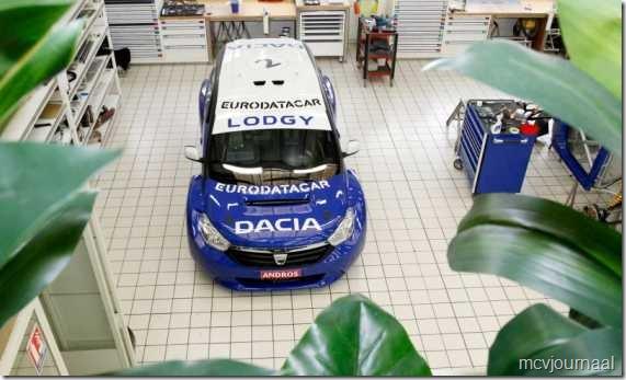 Dacia Lodgy MPV 11  - van boven gezien tijdens de opbouw