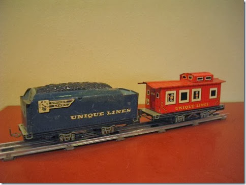 Unique Lines Tender & Caboose