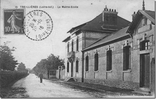La mairie-école peu de temps après son inauguration