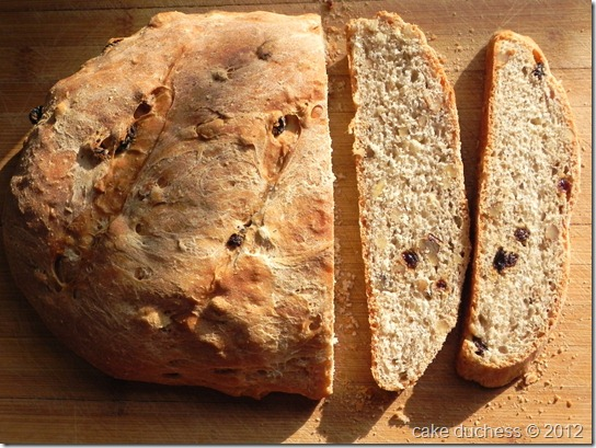 rustic-walnut-raisin-bread-5