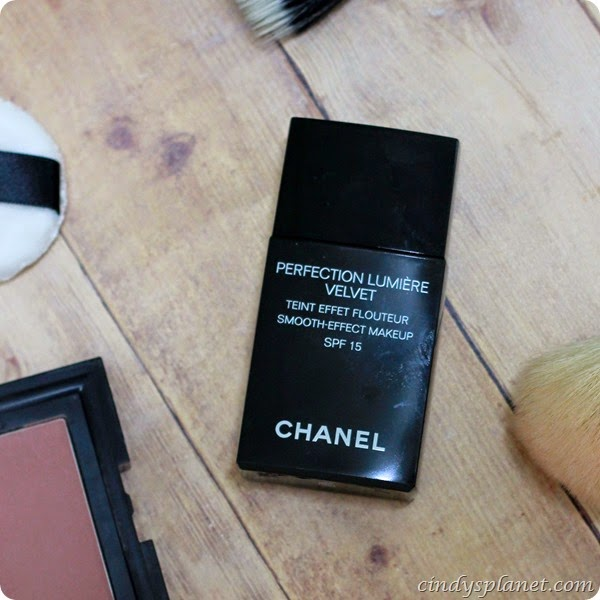 Channel Perfection Lumière Velvet Foundation Review (2)