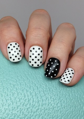 Static Nails in Get Spotted (They glow in the dark!)