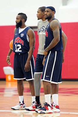 lebron james usa 120709 training camp 07 LeBron Unveils Both Lunar Hyperdunk and Soldier 6 During USAB Team Practice