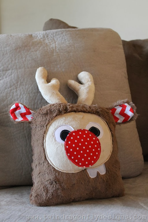 Holiday Plush Reindeer (28)